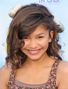Young zendaya with beautiful hair style
