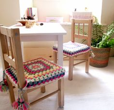Happy chairs I'm so excited to share my new happy crochet chair covers with you. My girls had these simple ikea wooden chairs now for few years, so they come with few marks and scratches now, but still cute and perfectly serving their purpose. Looking at them the... #chaircovers #colours #crochet
