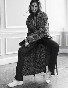White-Sneakers-Editorial-Amanda-Wellsh-By-Benny-Horne-For-Vogue-Spain-September-2014--DeSmitten
