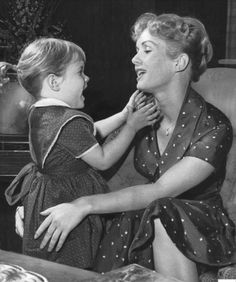 History In Pictures (@HistoryInPix) | Twitter:  Carrie Fisher and Debbie Reynolds