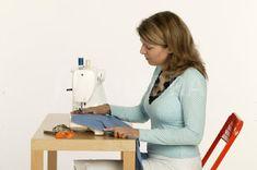 5 ΣΥΜΒΟΥΛΕΣ ΓΙΑ ΤΕΛΕΙΟ ΡΑΨΙΜΟ ΣΤΗ ΡΑΠΤΟΜΗΧΑΝΗ ΣΟΥ ΑΠΟ ΤΟΥΣ ΕΙΔΙΚΟΥΣ   ΡΑΠΤΟΜΗΧΑΝΕΣ & ΜΗΧΑΝΕΣ ΣΑΚΩΝ ΚΑΡΒΟΥΝΟΠΟΥΛΟΣ Plus Size Maxi, Diy Crafts, Sewing, Storage, Home Decor, Purse Storage, Dressmaking, Decoration Home, Couture