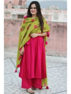 Indian Bollywood Design Women Ethnic Dress Top Tunic Gown Stylish Kurti Kurta ZC in Clothing, Shoes & Accessories, World & Traditional Clothing, India & Pakistan Casual Wear Women, Suits For Women, Indian Party Wear, Indian Wear, Indian Style, Indian Ethnic, Western Dresses, Indian Dresses, Latest Kurti