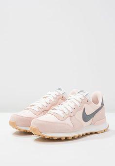 Nike Sportswear INTERNATIONALIST - Sneaker rosa / grau