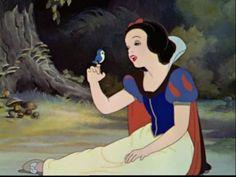 Collar, slashing, puffed sleeves, bodice, skirt. - The classic Disney Snow White