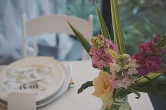 Palm Springs Styling: Flowers and leaves Spring Theme, Wedding Receptions, Palm Springs, Centre, Marriage, Leaves, Table Decorations, Flowers, Beautiful