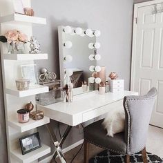 Vanity room ideas makeup vanity decor ideas vanity room decorations throughout vanity room decor ideas interior: Sala Glam, Vanity Room, Teen Vanity, Vanity Decor, Bedroom Vanities, Mirror Bedroom, Vanity Set Up, Mirror Vanity, Vanity With Lighted Mirror