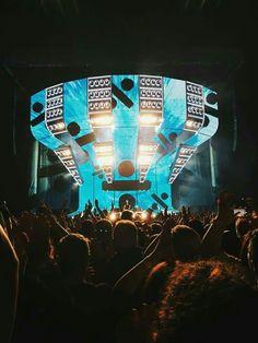 Ed Sheeran Divide World Tour- – Emma Lea Nugent Concert Ed Sheeran, Ed Sheeran Divide Tour, Edward Christopher Sheeran, Ed Sheeran Love, Still In Love, Love Wallpaper, Pop Music, Wall Collage, Wall Art