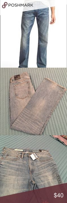 BNWT Men's Gap bootcut jeans!! This is a pair of men's bootcut jeans from Gap ! Brand New with tags , size 32x32. Sits low on the waist , straight through the leg , boot cut leg opening . They are a nice quality of denim . I am open to offers. GAP Jeans Boot Cut