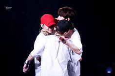 Exo Concert, Xiu Min, Saitama, Chanyeol, Chen, Kpop, Couple Photos, Youtube, Twitter