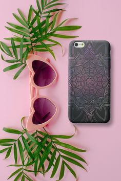 Everybody loves Mandalas! What about a mandala dream phone case? We believe, it looks amazing! Available for iPhone and Samsung. Phone Covers, Samsung Cases, Sunglasses Case, Boho, Iphone, Amazing, Mandalas, Mobile Covers, Bohemian