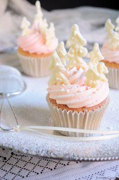 Juniper Cakery Tutorial: Christmas Tree Forest Cupcakes