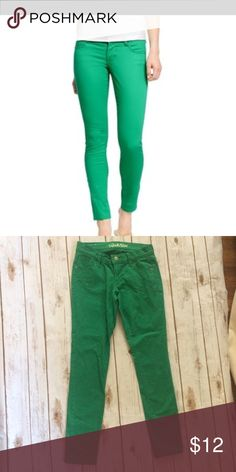 Old Navy pants EUC Rock Star Green Jeans. Size 4 Old Navy Jeans Skinny