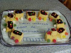 Een treintje van cake en snoep.