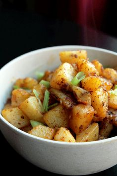 Not Quite a Vegan...?: Spicy Creole Potatoes