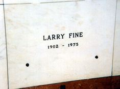 """Louis Feinberg (1902-1975). American actor/comedian/violinist. Best known as Larry from """"The Three Stooges"""""""