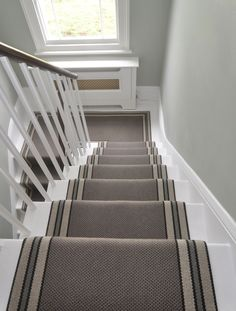 Keep it #classic but #modern with a bordered #stairrunner like Woodville. #FleetwoodFox