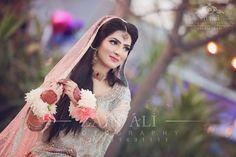 Desi Wedding, Wedding Pics, Wedding Bells, Wedding Makeup Looks, Bridal Makeup, Bridal Outfits, Bridal Dresses, Nikah Ceremony, Shadi Dresses