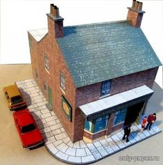 "Different buildings made of paper, paper model Free Download - London pub ""Rovers Return"" from the opera ""Coronation Street"" (Kingsway Models)"