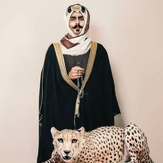 من نظرة الرجال تعرف خوافيه : : ________ Saudi Arabia Culture, Saudi Men, Old Man Face, Hippie Wallpaper, Wedding Invitation Background, Arab Swag, Mr Perfect, Arab Fashion, Beauty Around The World