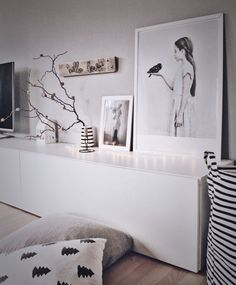 A Lowboard - a lot of decoration ideas Ikea to put in the BEST right into the scene decoration Grey Bedroom Furniture, Home Decor Furniture, Tv Ikea, White Tv Unit, Painting Old Furniture, Wooden Pallet Furniture, Thrift Store Crafts, Wooden Diy, Sweet Home