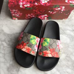 Gucci woman slippers