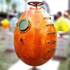 Jules Verne Egg