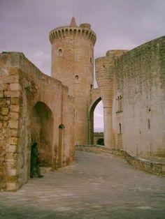 Impresionante castillo de Bellver,  Mallorca