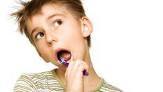Jakie zabiegi może oferować dentysta dziecięcy? Na pewno w razie ubytku może zaoferować wypełnienie kolorowym materiałem, który na pewno spodoba się dziecku. Poza tym może oferować zabiegi profilaktyczne takie jak lakierowanie zębów lub lakowanie bruzd zębów trzonowych. Zapobiega to rozwojowi próchnicy. Zadbajmy o zęby dzieci! http://www.blueklinik.pl/pl/stomatologia/gabinet/