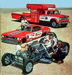 Tom 'The Mongoose' McEwen & the Hotwheels funny car team