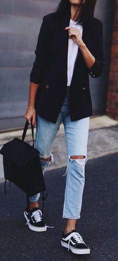70 Fashionable Minimalist Street Style That You Must Try. Distressed boyfriend jeans, white tee, black blazer, sneakers. Street style, street fashion, best street style