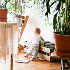 14 Ingenious DIY Baby Proofing Home Hacks Every Parent Needs to Know - The Thrifty Kiwi Baby Must Haves, Infant Activities, Learning Activities, Children Activities, Sensory Activities, Organized Mom, Gentle Parenting, Parenting Hacks, Natural Parenting