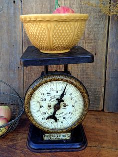 Early American Cutlery Co. Family Scale by greatoldcountryfinds
