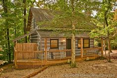 Cozy, romantic, woodsy and upbeat cabin in Pigeon Forge - Good Vibrations