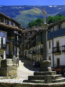 Candelario, Salamanca-España Countries Around The World, Around The Worlds, Portugal Vacation, Spanish Towns, Spain And Portugal, Places Of Interest, Andalusia, Spain Travel, Adventure Is Out There