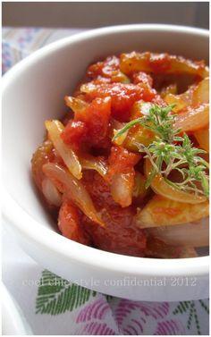 Cipolla con pomodoro per le polpettine di pane