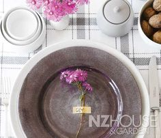 Floral fix Garden News, Wine Recipes, Home And Garden, Plates, Washi Tape, Tableware, Floral, Flowers, Licence Plates