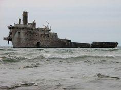 Francisco Morazan Shipwreck is a Haunting Sight in Lake Michigan