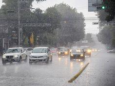 Lluvia con granizo se registra en gran parte de la Ciudad de México