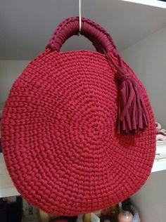 NEW Big Round Blue Jeans Basket Bag Monochrome Basketbag A bit big. Crochet Handbags, Crochet Purses, Crochet Accessories, Bag Accessories, Unique Bags, Basket Bag, Denim Bag, Custom Bags, Knitted Bags