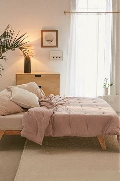 T-Shirt Jersey Comforter Snooze Set | Urban Outfitters