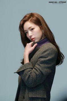 [채수빈] NEW 프로필 촬영 비하인드 with 마타♡ : 네이버 포스트 Korean Actresses, Korean Actors, Actors & Actresses, Yoona, Snsd, Korean Beauty, Asian Beauty, Chae Soobin, Best Photo Poses