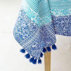 Geometric-Print Tablecloth and Napkin - Tablecloths - Tableware Moroccan Wall Art, Moroccan Fabric, Moroccan Cushions, Moroccan Home Decor, Moroccan Pouf, Coffee Table Cover, Table Covers, Moroccan Wedding Blanket, Bohemian Furniture