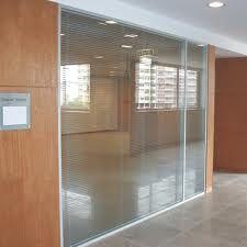 Divisorias para escritorio de alto padrao as divisórias LUNA são fabricadas em conformidade com as normas técnicas ABNT possuem alto índice acústico
