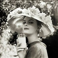 Nena von Schlebrugge, photo by Norman Parkinson...