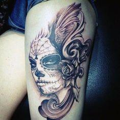 tatuaże dla dziewczyn na udzie