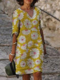 Γυναικεία Φόρεμα ριχτό Φόρεμα μέχρι το γόνατο - Μισό μανίκι Φλοράλ Στάμπα Καλοκαίρι Λαιμόκοψη V Καθημερινό καυτό φορέματα διακοπών Φαρδιά 2020 Θαλασσί M L XL XXL 3XL 2020 - € 16.9 Half Sleeve Dresses, Midi Dress With Sleeves, Knee Length Dresses, V Neck Dress, Half Sleeves, Types Of Sleeves, Shirt Dress, Linen Dresses, Casual Dresses