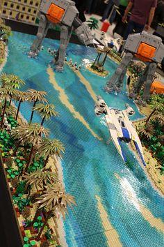Lego Hugeeeee Models – How to build it Star Wars Poster, Star Wars Art, Lego Star Wars, Star Trek, Legos, Star Wars Planets, Micro Lego, Lego Sculptures, Lego Display