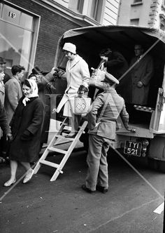 Bus strikes were a feature of the Here, army lorries help get people to work. Old Pictures, Old Photos, Dublin Airport, Ireland Homes, History Photos, Dublin Ireland, Photo Archive, 1960s, Baby Strollers