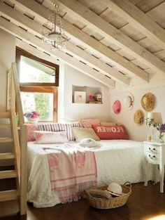 Décor rustique digne d'une chambre sous toit à  la campagne