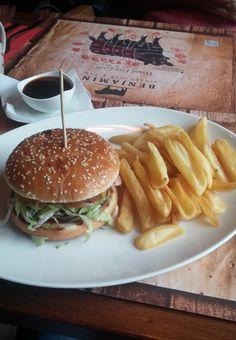 Benjamin Steakhouse Texas Burger Hamburger, Texas, Ethnic Recipes, Pork, Hamburgers